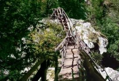 Забележителности Средна гора