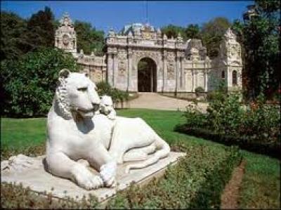 Работно време и цени за вход на Дворецът Долмабахче, Истанбул  - Турция