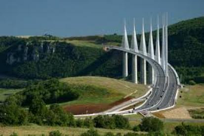 """Мостът""""Мийо""""-Франция"""