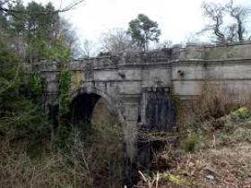 Мостът Овертон