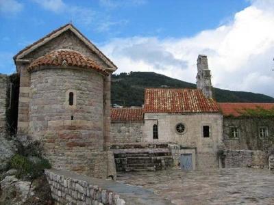 Църквата Свети Сава - Будва